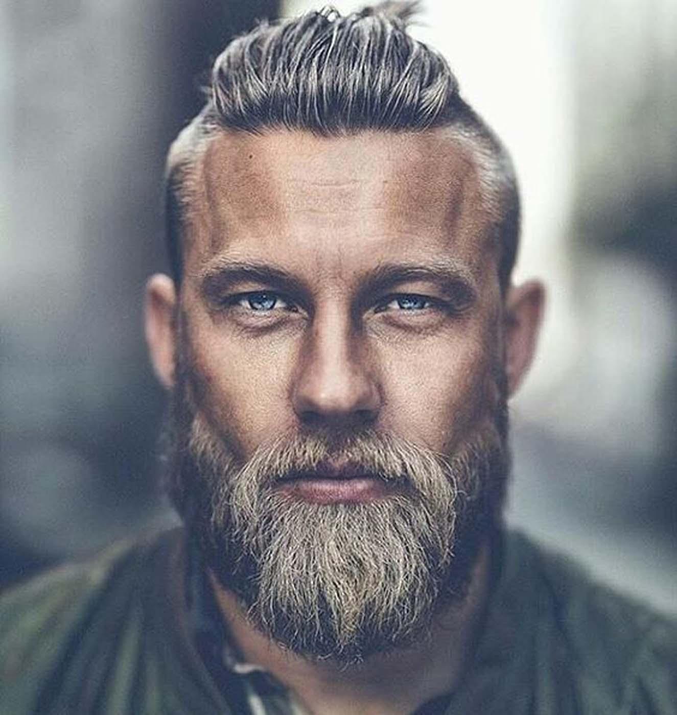 Coupe cheveux long homme brun