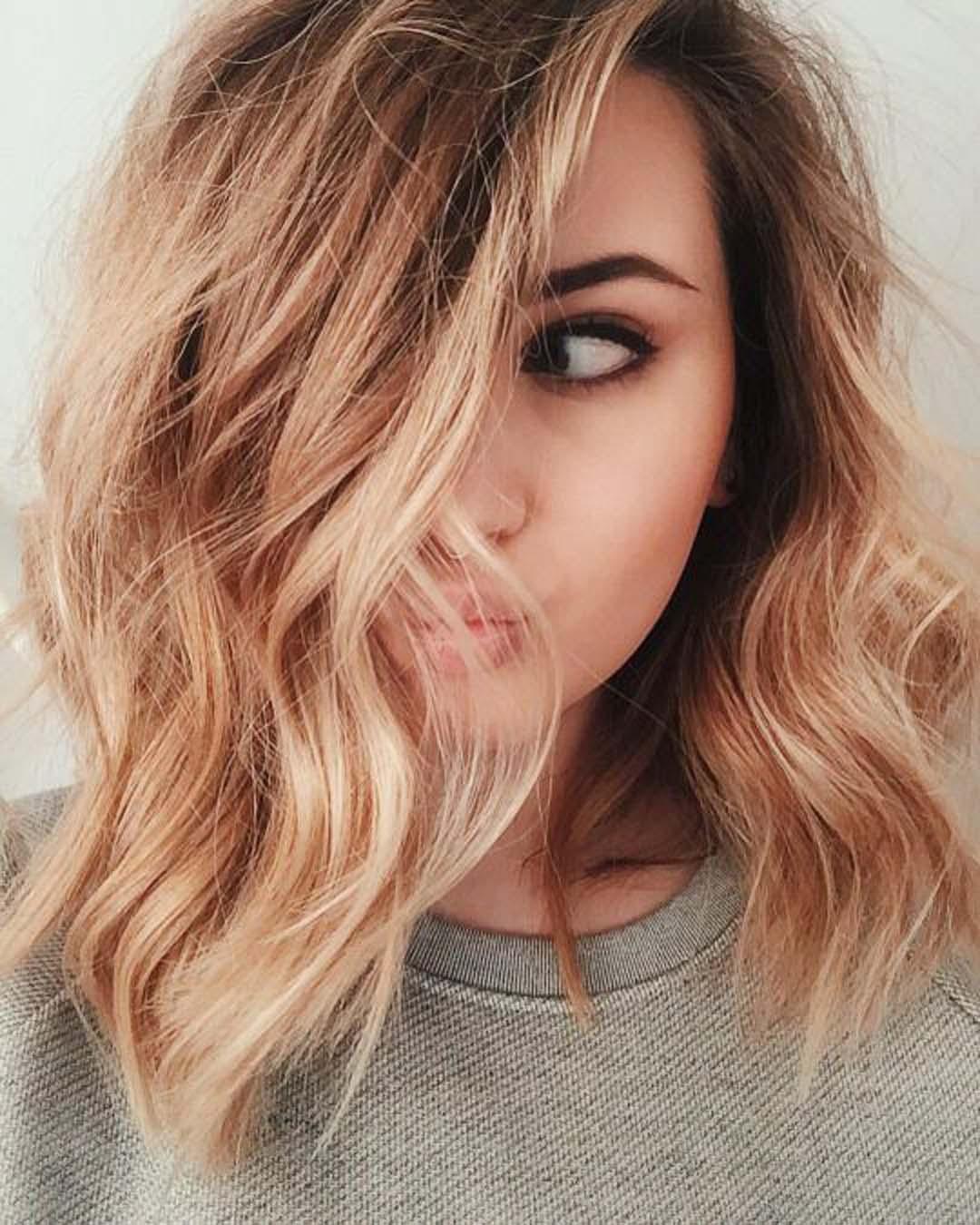 Coupe cheveux carre long visage rond