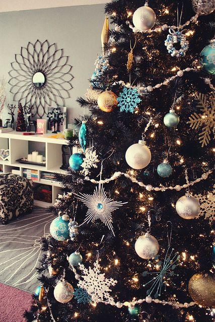 Femina Black Christmas Tree On Craque Pour Le Sapin De Noël Noir